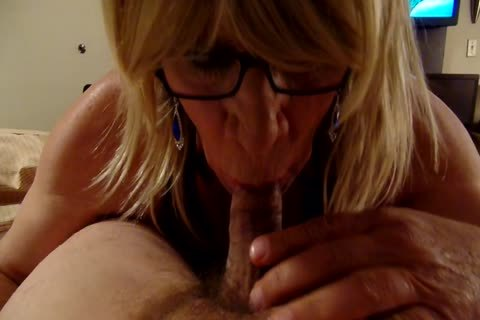 Crossdresser sucking ramrod