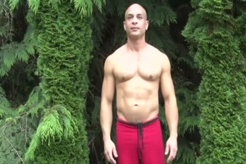 hot Bald Muscle chap Shows Off His 9-inch Sausage